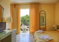 TWO BEDROOMS RIGHT IN THE CITY CENTER NEXT TO THE BEACH, 1h. TO VENICE