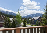 Whistler Family Home - Central location - Minutes to the Lifts!!