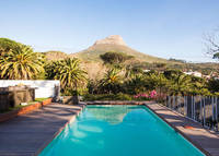 4 bedroom family home with pool in central Cape Town