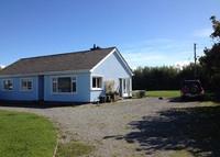 Beachside holiday bungalow in  beautiful location on Dingle Peninsula