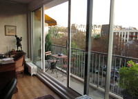 2 bedroom apartment in Paris, 15 minutes from the Champs Elysées