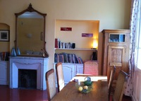 Very pretty typical apartment in the center of old Avignon, Provence