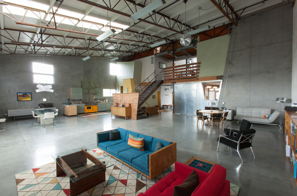 Large modern family friendly loft close to beach boligbytte