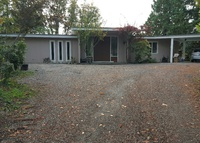 5 bedroom house in a secluded scenic area, 15 mins to downtown Seattle