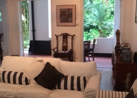 Colonial heritage house in quiet jungle setting, city life v closeby